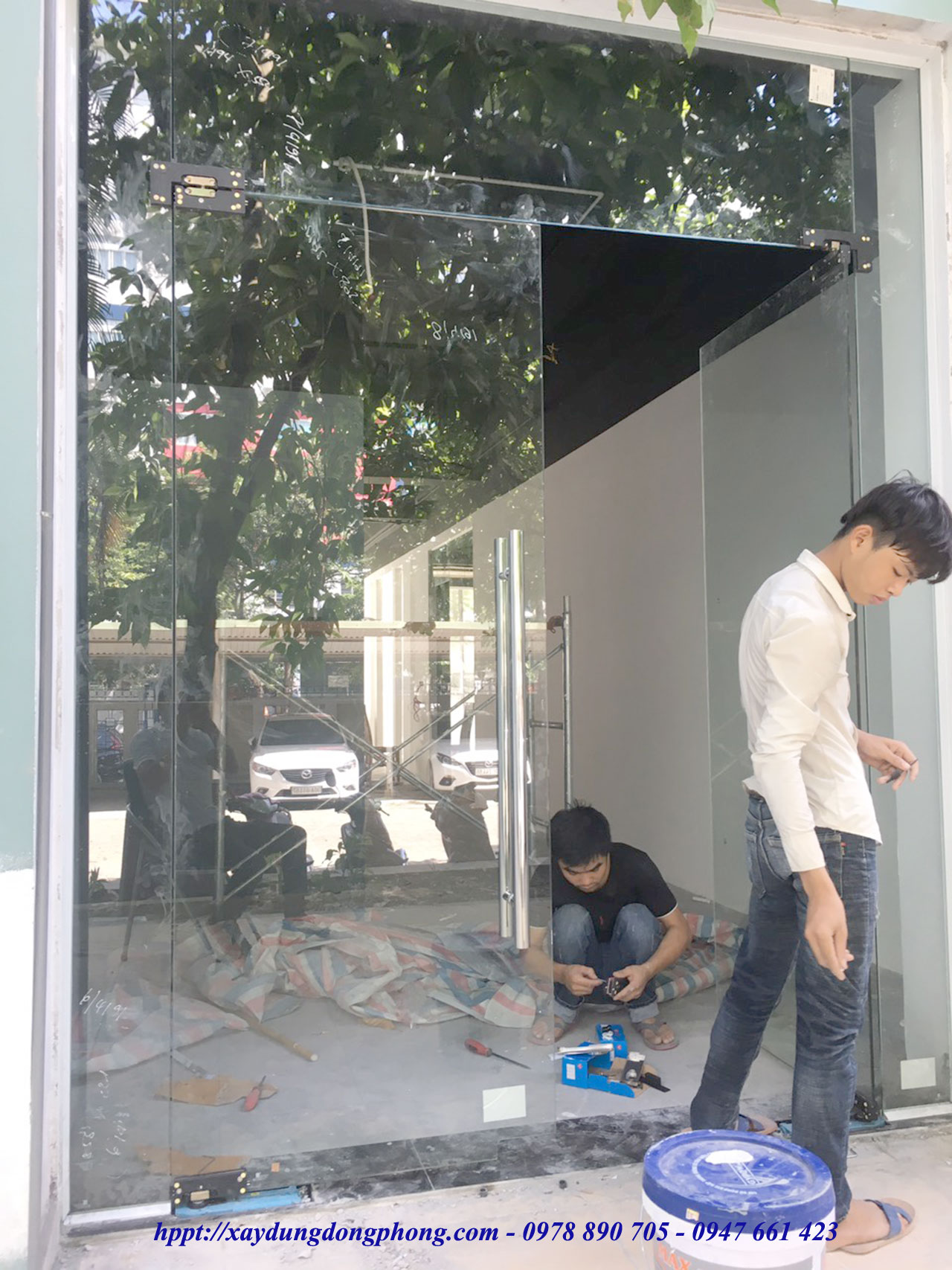 Cua Kinh Cuong Luc Mo Quay11