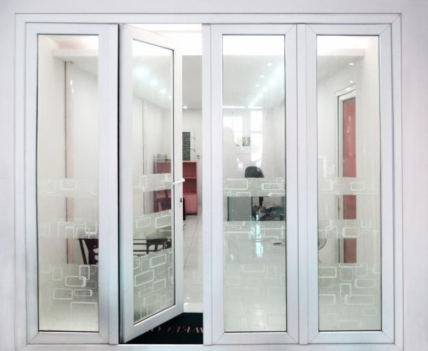 cửa nhôm xingfa màu trắng
